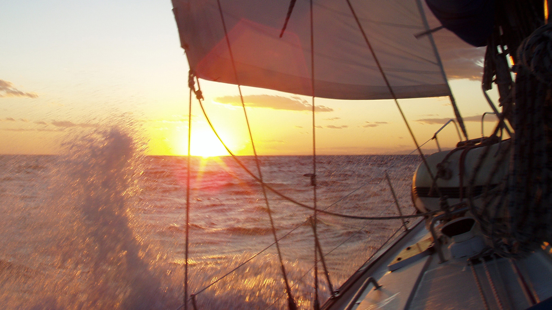 sunset-sailing_home-slider10_1780x1000